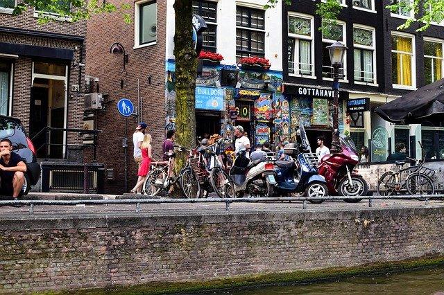 kavárna v Amsterdamu