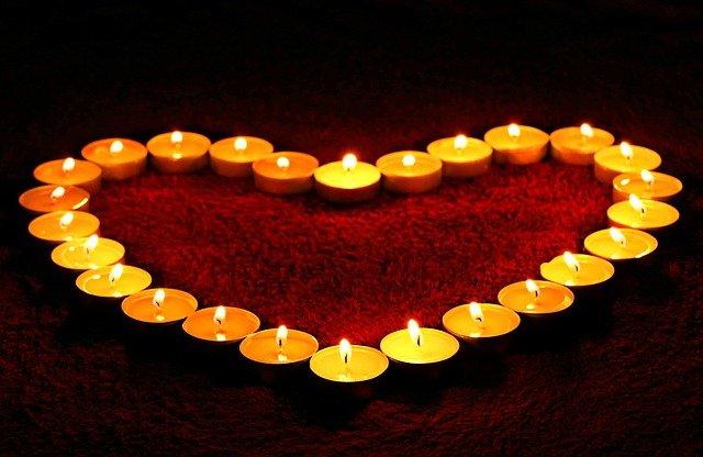 srdce ze svíček.jpg