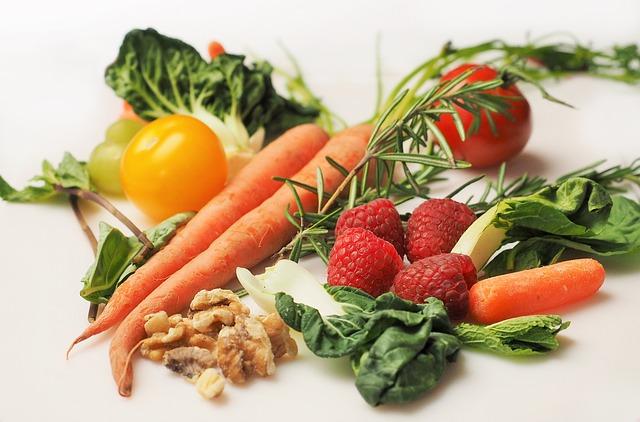 zelenina, ovoce a ořechy.jpg