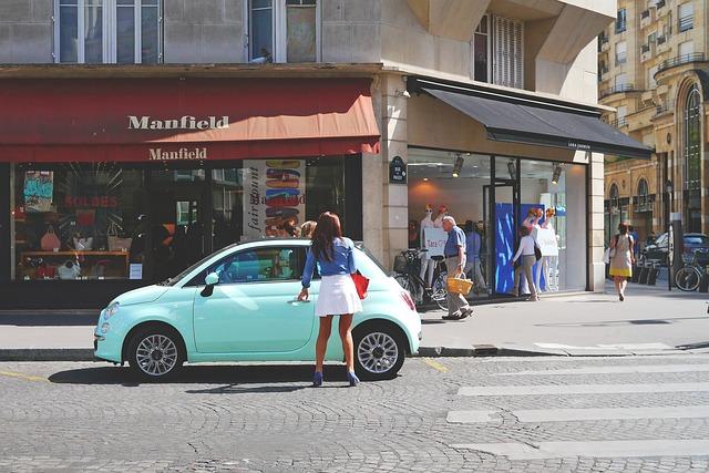 žena u auta