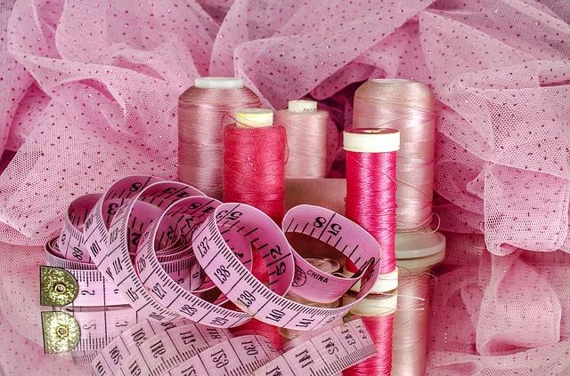 Růžové nitě